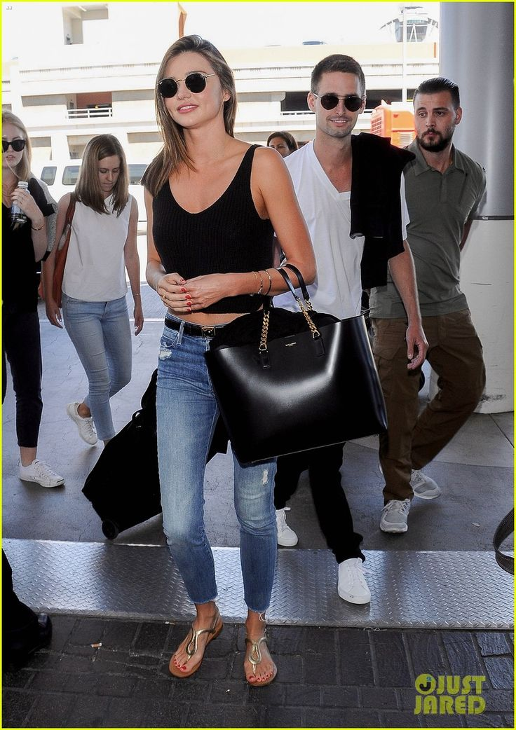 Miranda kerr snapchat 39 s evan spiegel cozy up at airport - Evan spiegel miranda kerr ...