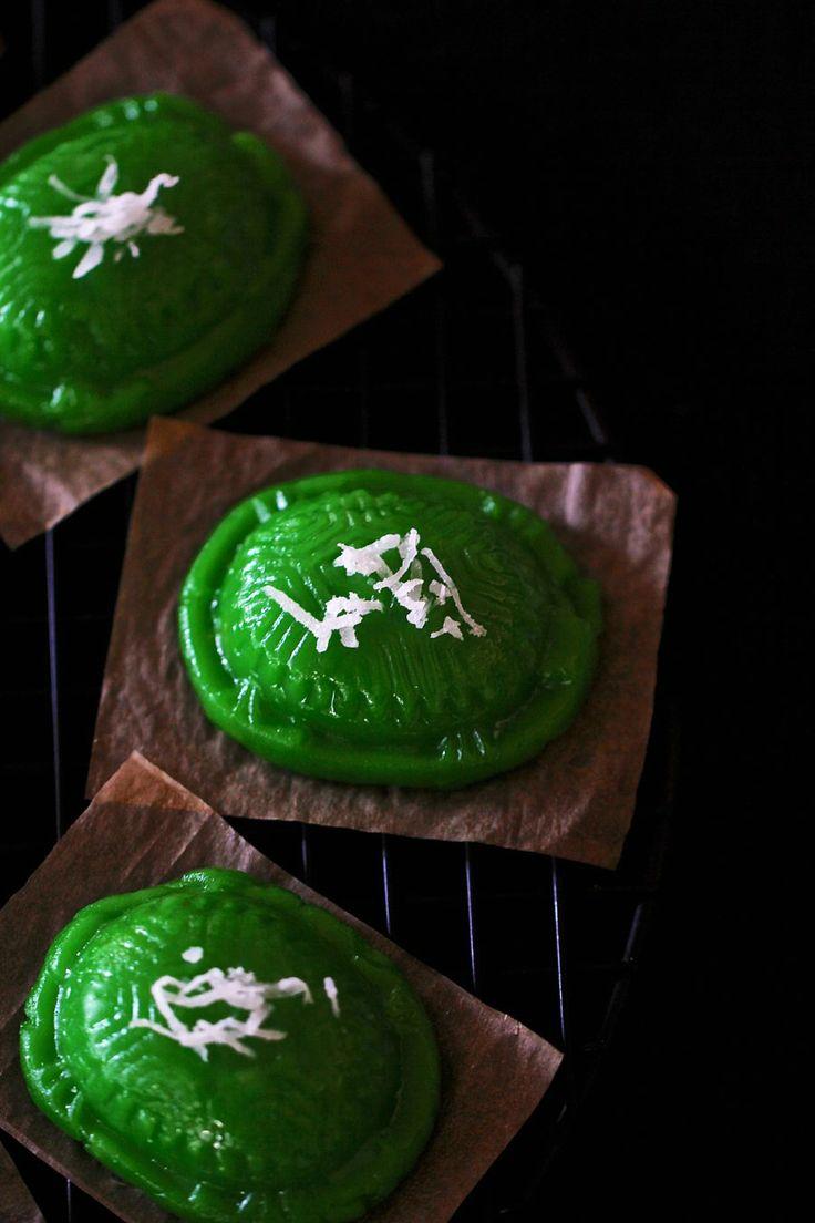 ~Elra's Cooking~: Kristy's Ang Ku Kuih. Malaysian Style Sweet Rice Cake Filled With Mung Bean Paste
