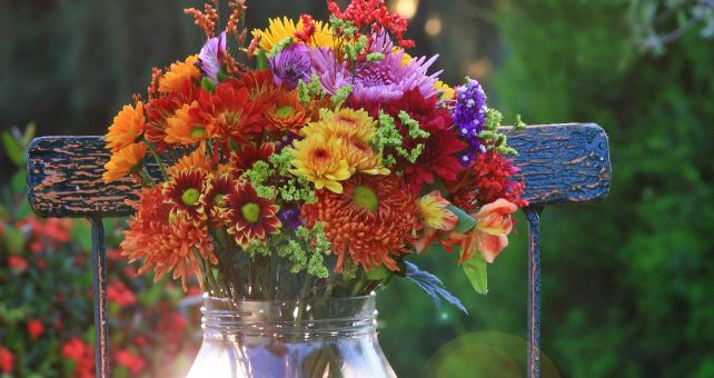 Publix Floral Department Bouquet. #Contest How gorgeous is this, what a way to brighten your outdoor meal, and it's at my grocery store.