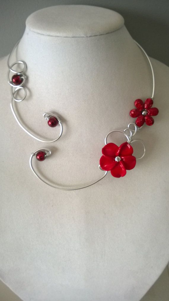 Flowers necklace Red jewelry Open collar by LesBijouxLibellule