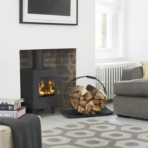 Standing on 100mm legs, the Morsø S11-42 is a stunning example of a small stove offering all the attributes of a larger model. The viewing area is maintained a