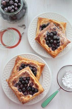 """Diaporama """"10 idées pour des desserts à tomber à faire avec des myrtilles """" - Tartelettes aux myrtilles"""