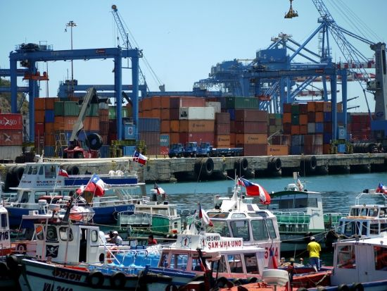 Lively and colourful Valparaiso port