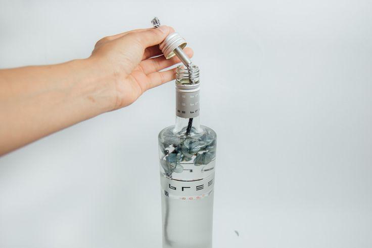 Öllampe selber machen: Anleitung für eine tolle DIY Öllampe aus der Design prämierten Bree Weinflasche für Garten, Balkon oder Terrasse * DIY Blog *