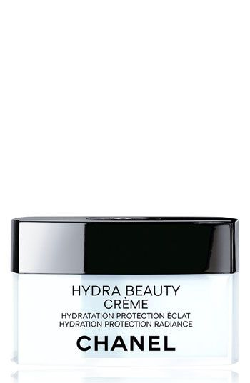 Anne Hathaway wears Chanel Hydra Beauty Crème: http://rstyle.me/n/bkh7fqm6n
