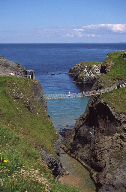 Carrick-a-rede Rope Bridge in Northern Ireland... what is this? pirates of the carribean? isn't there a safer way? perhaps a hang glider? ugh