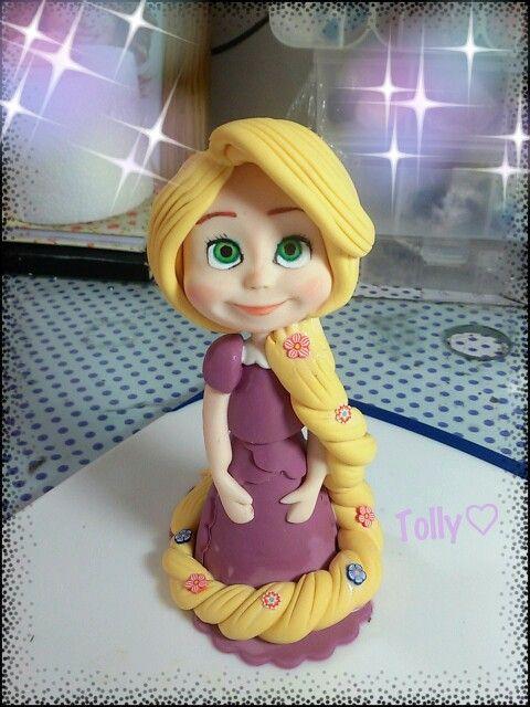 #caketopper #actionfigure #cake #figurine #handmade by #tollykawaiiaccessories #taranto #torta #gadget #fattoamano #cartoon #compleanno #bimba #statuetta #rapunzel #baby