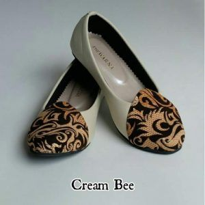 The Warna Shoes – Cream Bee