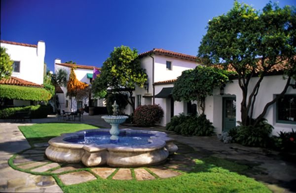 Google Image Result for http://www.santabarbaradowntown.com/_files/images/el-paseo-courtyard.jpg