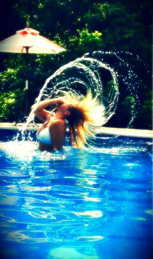 WATER HAIR FLIPS IN POOL!!!   BEAUTIFUL PHOTO http://www.bubblews.com/news/4068509-water-hair-flips-photos