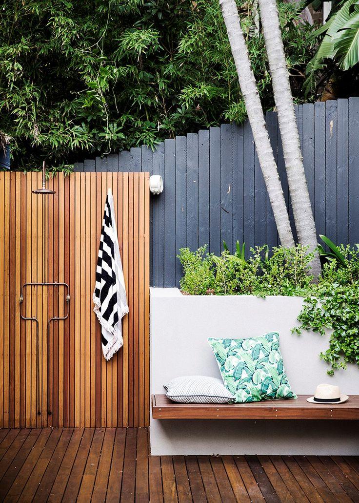 die besten 20 solardusche garten ideen auf pinterest ecke deck gartendusche holz und. Black Bedroom Furniture Sets. Home Design Ideas