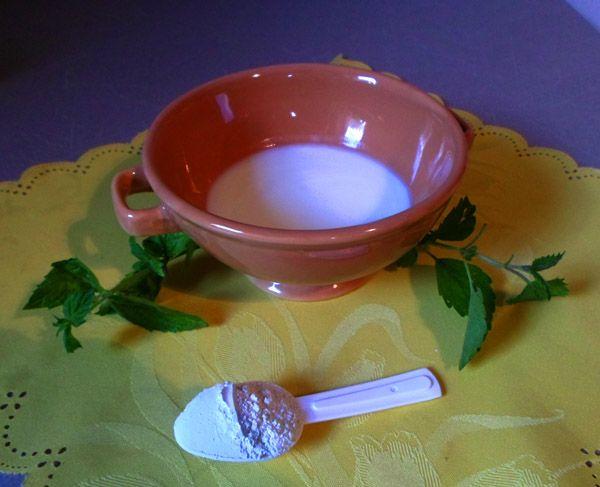 Maseczka z glinki białej i jogurtu doskonała do cery suchej i wrażliwej. Oczyszcza,nawilża,odżywia,rozjaśnia szarą skórę i wygładza.  #maseczka #maseczka_z_glinki_białej #kaolin #glinka_biała