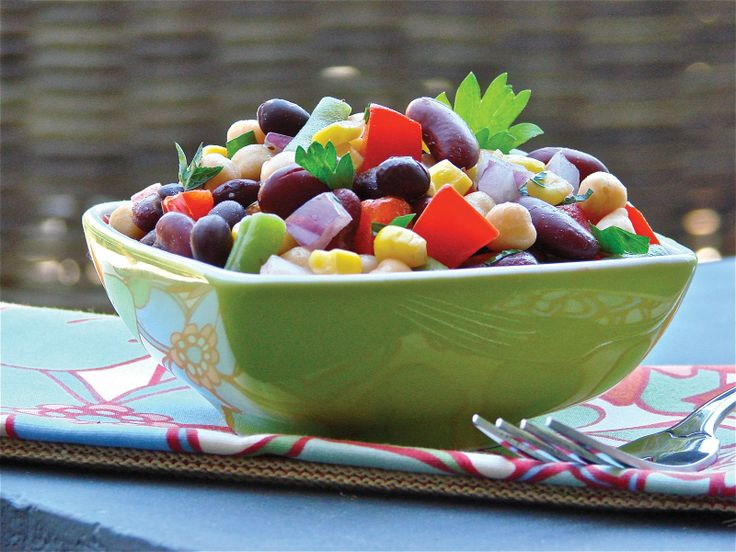 RECIPES TO TRY: Janet and Greta Podleski Looneyspoons Bean Salad Recipe. #beans #salads