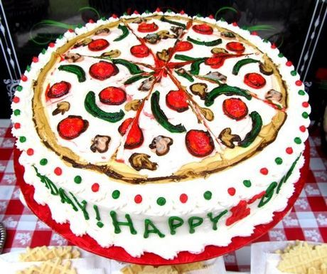 pizza party cake-- I should make this, Anna would love it since her school is coming to the pizzeria for a field trip! :)