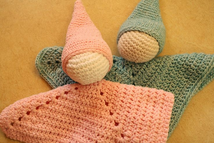 """Busy fingers, busy life...: Pattern: Lovey """"Macx""""This pattern is free to download in both Dutch and US crochet terms"""