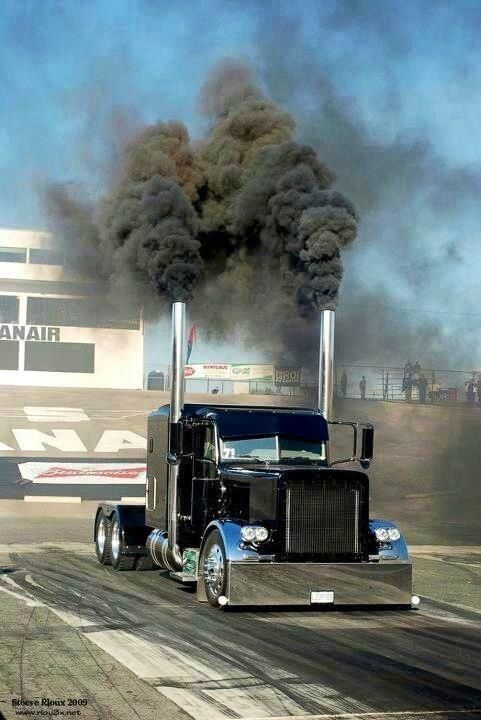 Stagin' and rollin' coal in the Peterbilt | Big rigs ...