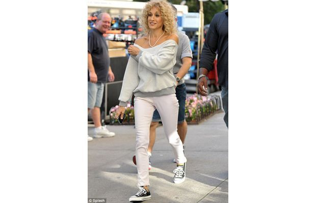 Sarah Jessica Parker channelling the 80's in her #chucks