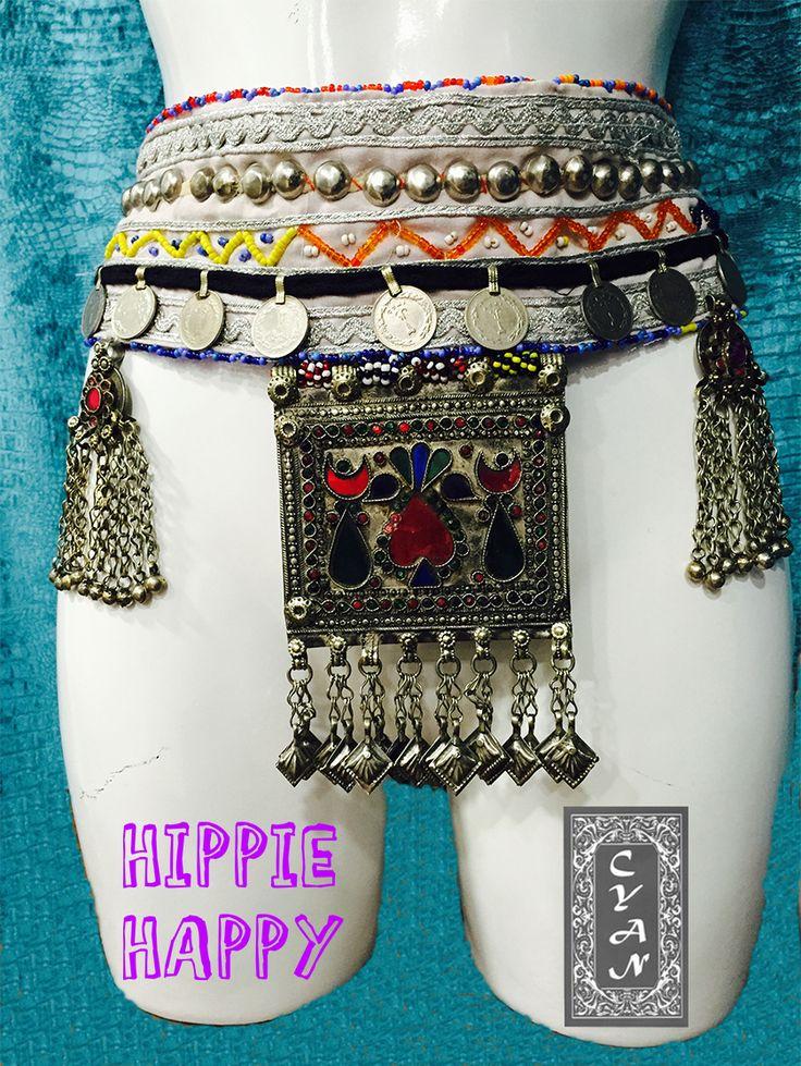Cinturón lleno de detalles, pedrería, estilo y originalidad, diseñados para que aportes un toque étnico a tu vestuario. Marcarán el ritmo de tus pasos con su peculiar sonido al caminar y vestirán de elegancia tus pantalones, faldas... Esta es solo una muestra de nuestros diseños, sigue atenta a nuestras publicaciones para descubrir más modelos y si alguno te gusta, ponte en contacto. #modamujer #Cyan #étnico  #hindú #India #Pakistán #HippieHappy #exclusiva #artesanía #cinturones