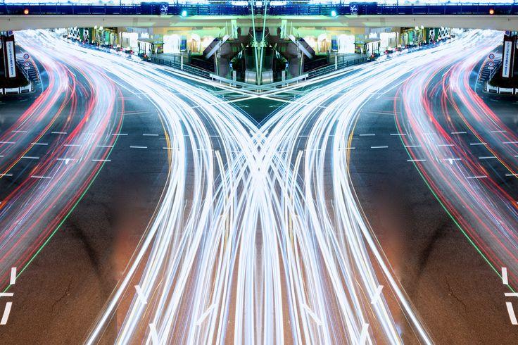 graffiti of speed / mirror of symmetry   TOKYO by Shinichi Higashi