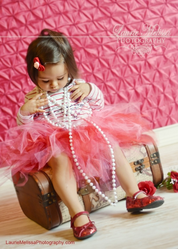 more pearls. Cute idea for a little girl photo shoot