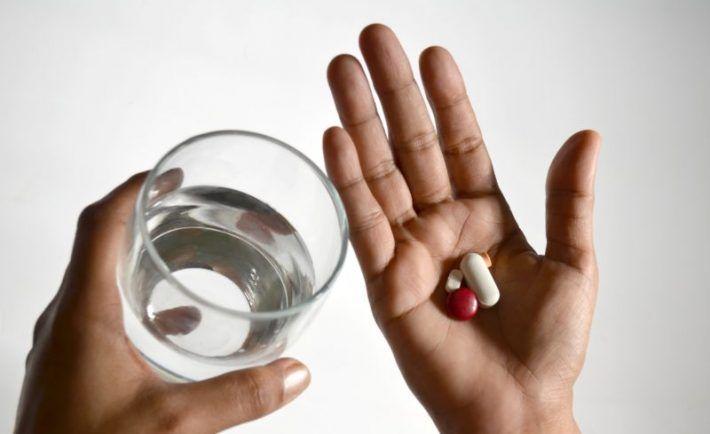 Ide o údajnú epidémiu 21. storočia, hneď po cukrovke či rakovine. Podľa štatistík postihuje 37% dospelých mužov a40% dospelých žien. VEurópe to je až 54% uoboch pohlaví. Toto ochorenie, respektíve stav, sa nedá vôbec alebo len veľmi ťažko zvrátiť. Ak vám ho raz diagnostikujú, budete zrejme do konca života užívať