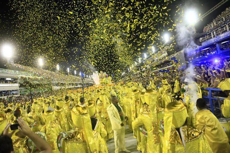 Carnevale di Rio de Janeiro: sfilate delle scuole di samba al Sambódromo: Grande Rio. #carnevale #Riodejaneiro #RioCarnival #Brasile http://www.dentroriodejaneiro.it/blog-rio-de-janeiro/carnevale-rio-de-janeiro/carnevale-di-rio-de-janeiro-2016.html
