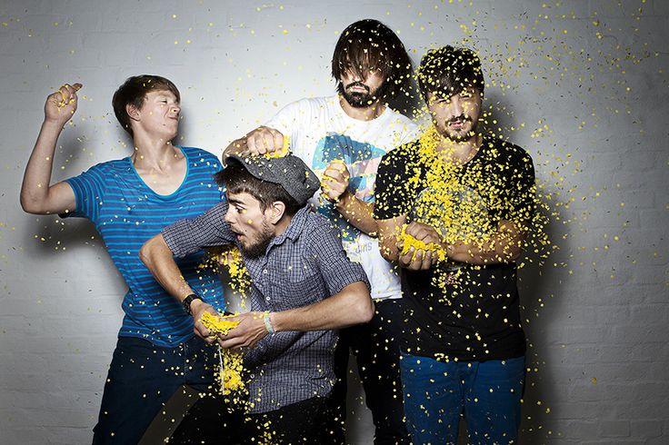 Confetti-Party! SHOOT with VIVIANE WILD PHOTOGRAPHER.  #confetti #bodybuilderep #vivianewild