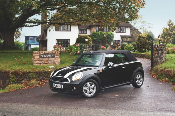 What could be more classic than this monochrome MINI?