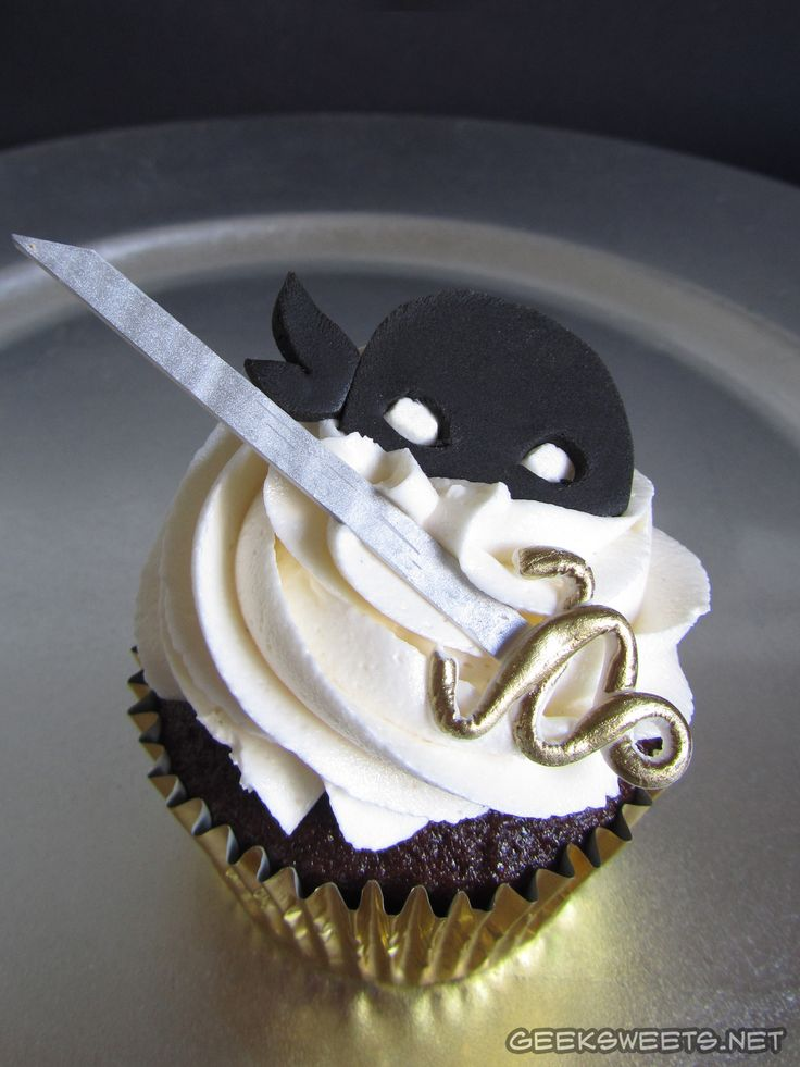 """The Dread Pirate Roberts cupcake from """"The Princes Bride."""""""