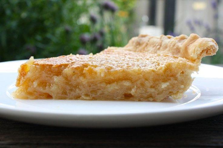 C'est une recette vraiment facile (sans blague) et totalement délicieuse de tarte au sirop d'érable de la cabane à sucre… À ce temps-ci de l'année, c'est dur à battre
