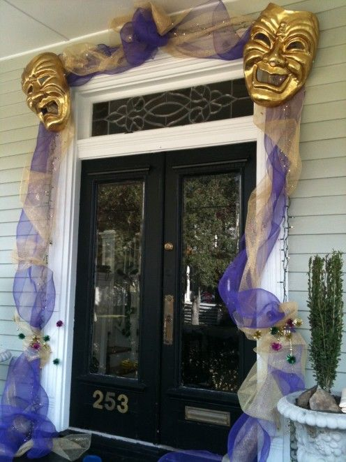 Mardi Gras Door BUT i'm going to use v day colors and use hearts!! so cute!
