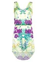 This dress is perfect for a warm day at a festival. We love the relaxed shape and beautiful floral print design