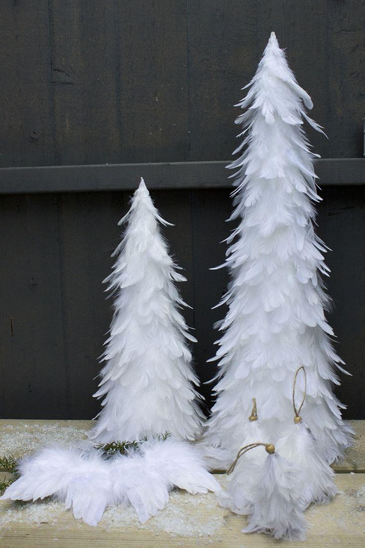 Vackra granar & änglavingar i vita fjädrar, för bord och hänge! www.homefeeling.se
