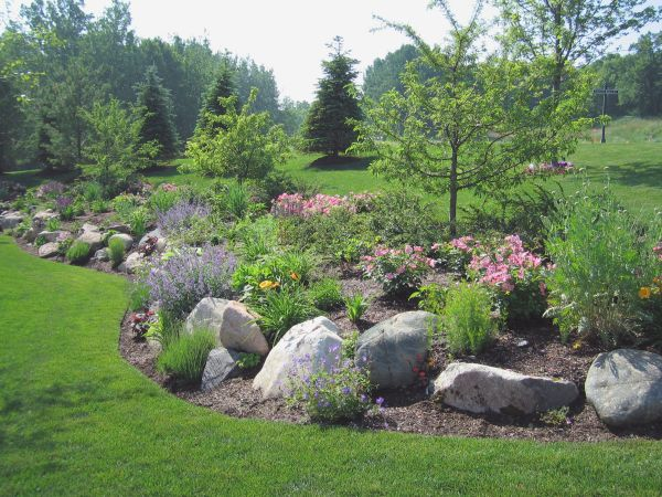 Landscaping with Boulders. Google Image Result for http://www.robinsonslandscaping.com/images/photo-large/Outcropping_04.JPG