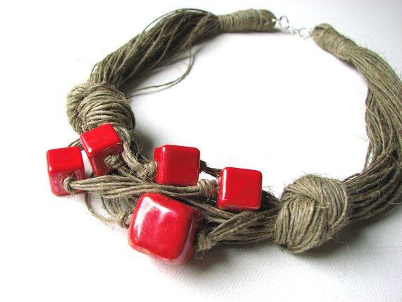 necklace Ceramic claret      100% Handmade    Colors  •linen-cream  •claret red Ceramic      Materiais:  •linen  •Ceramic  •jewelry clasp