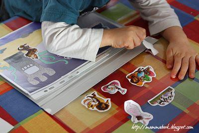 Mammabook: Album attacca e stacca per le figurine fai da te - DIY on and off stickers album