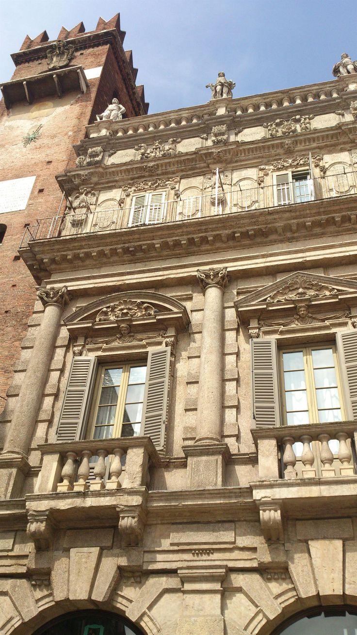 Nice facade in Piazza delle Erbe