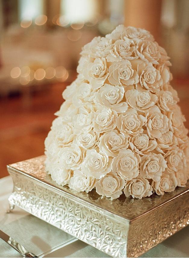Million Roses Wedding Cake