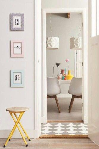 Mijn IDEALE plaatje: Paneeldeuren, hout en tegels gang, kleur muur, hoge plinten