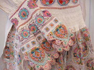 17 Best images about Croatian embroidery on Pinterest Silk, Costumes and Et...