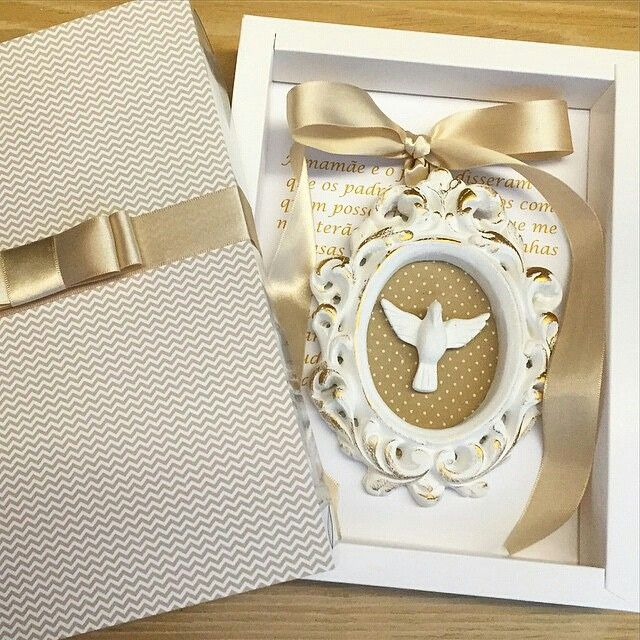 Gente, olha que coisa mais linda essa caixa-convite produzida por…                                                                                                                                                     Mais