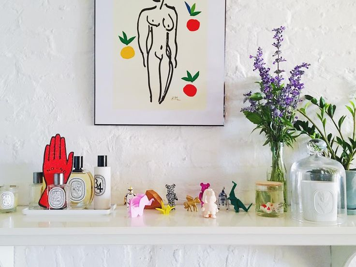 "62 Likes, 1 Comments - Jenni Lee | 이영아 (@definitleejenni) on Instagram: ""Welcoming a ✨new✨ addition to my tchotchke shelf, courtesy of #SeldomReader aka @garrettmorin 🙌🏼…"""