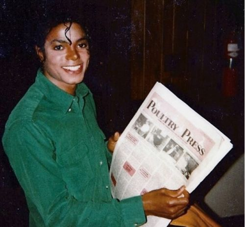"""pinkcloudturnedtogrey: """" Michael Jackson's Vitiligo in 1988 when he didn't  cover it with make up """""""