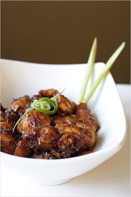 Lemongrass Chicken - crazy delicious chicken with lemongrass recipe. So easy to make and fool proof | rasamalaysia.com