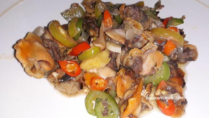 Pingin masak seafood yang mudah tapi enak? Coba resep oseng-oseng kerang ini yuk. Seafood lover dan penyuka pedas bakal suka makannya. Ayo baca dan recook...