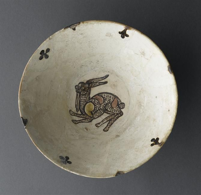 Bowl with hare 10th century Khorasan, Iran Earthenware, underglaze pigments and slip decoration, transparent glaze