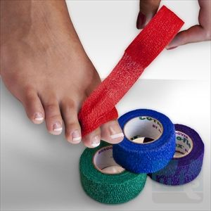Co-Flex 1 Inch is an easy to use bandage for splinting broken toes.