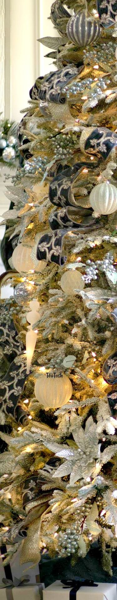 ❇Téa Tosh❇ French Blue Christmas Tree