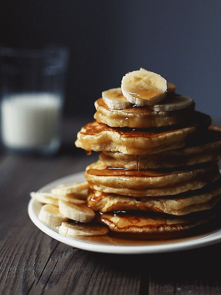 Pancakes and maple syrup | Food Cinemagraphs, Food Photography, GIFs