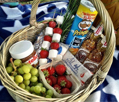 Date night basket. Try to create other dates with a different theme … #others #other #dattelnates #date #one
